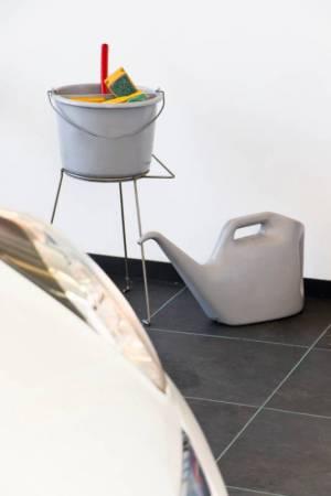 fliesen f r garage 3 entscheidende tipps bei der auswahl. Black Bedroom Furniture Sets. Home Design Ideas