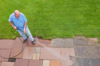 Beliebt In 5 Schritten Terrassenplatten reinigen | ZUHAUSE.net KS49